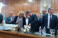 El gobernador Uñac realizó la apertura de sobres del hospital de 25 de Mayo