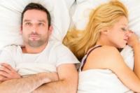 Por qué las mujeres necesitan dormir más que los hombres