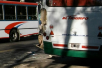 Accidente vial entre dos colectivos en Capital