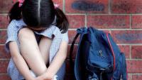 Abusó de una nena de 7 años y la amenazó si hablaba