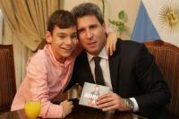 Tras su visita a la provincia, Sergio Uñac recibió a Adrián Martín Vega, el niño cantor