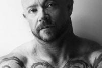 Conocé la alucinante historia de un actor trans que ahora es el rey del porno