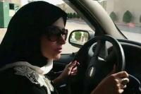 Arabia Saudita permitirá que las mujeres manejen automóviles