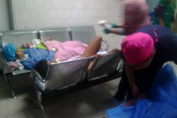 Viralizaron fotos de mujeres dando a luz en una sala de espera y terminaron presos