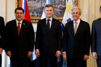 Argentina, Paraguay y Uruguay lanzaron la postulación conjunta para organizar el Mundial 2030