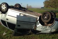 Chimbas: una pareja volvía de bailar, volcó y el conductor perdió la vida