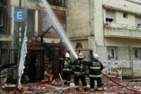 Impactante incendio en un edifico de Flores