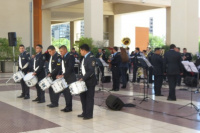La banda de la policía brindó un concierto conmemorando el día de la madre