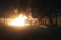 Prendieron fuego movilidades de Energía San Juan