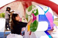 Alumnos del Polivalente de Arte le pusieron color al Teatro del Bicentenario