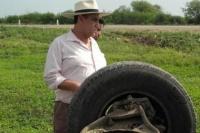 Folkloristas volcaron en la ruta y los auxilió el Chaqueño Palavecino