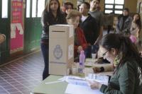 Los que están obligados, los que no lo están y los excluidos: quiénes son los electores de estas PASO