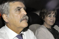 Julio De Vido espera la visita de su esposa mientras definen en qué penal queda detenido