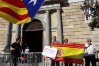 Expectativa en España previo a que el gobierno de Rajoy tome el control de las instituciones catalanas