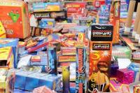 Permitirán la venta de pirotecnia en Rivadavia, Santa Lucía y Capital