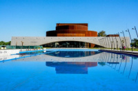 Teatro del Bicentenario: podés ganarte una piscina con la compra de una entrada