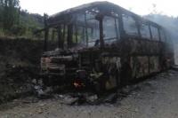 Chile: la quema de dos autobuses empañaron el comienzo de las elecciones