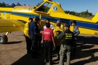 Llegó el avión hidrante y trabaja para sofocar las llamas en Valle Fértil