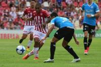 Unión cerró el año con un empate ante Belgrano