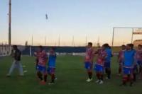 Piñas y botellazos en la semifinal entre Peñarol y Huracán