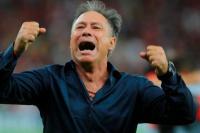Ariel Holan dio marcha atrás y seguirá en Independiente