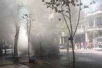 El incendio de un colectivo provocó un caos en el centro porteño