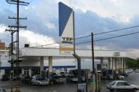 Golpe al bolsillo: YPF aumentó un 3,5% los combustibles en el país
