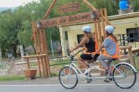 Emprendimiento turístico: alquilan bicis para que sanjuaninos y turistas recorran Zonda