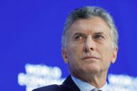 En plena crisis económica, el presidente suspendió su gira por Francia y Bélgica