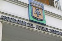 La falla de comunicación de la AFA que favorece a Boca e Independiente