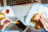 Cuando comemos para calmar el estrés y no por hambre: algunos consejos