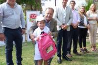 Entrega de kits escolares: Este viernes fue el turno de Rawson y Rivadavia