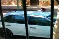 Le afanó el estéreo de su auto y el ladrón fue