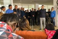 Familiares de tripulantes del ARA San Juan le llevan un petitorio a Macri
