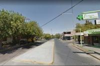 Un auto se estrelló contra un pilar: hubo dos heridos