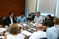 Los docentes se reúnen con el Gobierno para comenzar la negociación