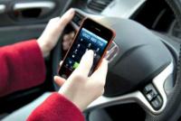Casi la mitad de los conductores admiten que utilizan el celular cuando manejan