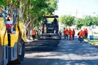 Continúan las obras de pavimentación en los barrios capitalinos