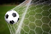 Nuevas reglas para el fútbol: se podrán hacer cinco cambios por partido