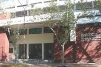 Escuela de Comercio: evacuaron a los alumnos del edificio, debido a que habrían arrojado gas pimienta