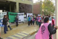 Protesta en el centro por despidos en Agroindustria