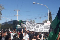 Antes del duelo cuyano, cientos de hinchas despidieron a San Martín