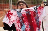 Escrache en el entrenamiento de Argentina por el duelo ante Israel