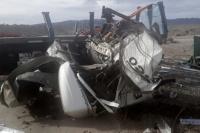 Un camión fue a auxiliar un vuelco y cayó encima de los restos