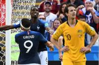 Francia derrotó a Australia en un partido marcado por el VAR