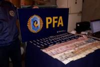 Detienen a un hombre al encontrarlo con cigarrillos de marihuana y dinero en efectivo