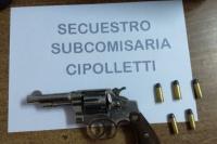 Detuvieron a dos hermanos por amenazar a una familia con un revólver