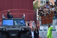 Maradona fue recibido por una multitud en Bielorrusia