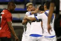 Velez derrotó a Newells en el inicio de la Superliga