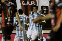 Racing goleó a Patronato y piensa en la Copa Libertadores